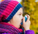 Asthmatic adolescents develop greater dependence to nicotine compared to healthy counterparts